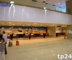 https://www.tp24.it/immagini_articoli/09-10-2017/1507524604-0-aeroporto-trapani-ryanair-adesso-lallarme-anche-voli-estivi.jpg