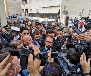 https://www.tp24.it/immagini_articoli/09-10-2019/1570614246-0-marsala-bonafede-arrivato-malore-simone.jpg