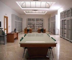 https://www.tp24.it/immagini_articoli/09-11-2018/1541748923-0-trapani-seminario-archivi-storici-parrocchiali-conservazione-valorizzazione.jpg