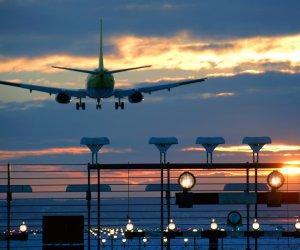 https://www.tp24.it/immagini_articoli/09-11-2019/1573280888-0-biglietti-aerei-troppo-cari-sicilia-aumenta-protesta.jpg