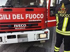 https://www.tp24.it/immagini_articoli/09-12-2019/1575880987-0-calatafimi-data-fiamme-lauto-allevatore.jpg