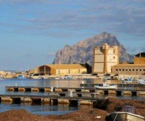 https://www.tp24.it/immagini_articoli/10-01-2020/1578670564-0-porto-bonagia-limpegno-parte-amministrazioni-valderice-erice.jpg