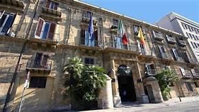 https://www.tp24.it/immagini_articoli/10-01-2020/1578672141-0-sicilia-regione-scopre-avere-fondi-spesi-rimasti-cassetti.jpg
