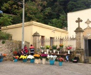 https://www.tp24.it/immagini_articoli/10-02-2019/1549835643-0-erice-domani-cimitero-chiuso.jpg