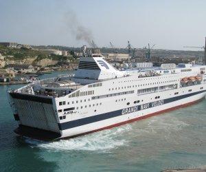 https://www.tp24.it/immagini_articoli/10-03-2021/1615366544-0-trapani-terminata-la-quarantena-per-400-migranti-a-bordo-della-nave-splendid.jpg