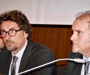 https://www.tp24.it/immagini_articoli/10-05-2019/1557478492-0-birgi-santangelo-incontrato-ministro-toninelli.jpg