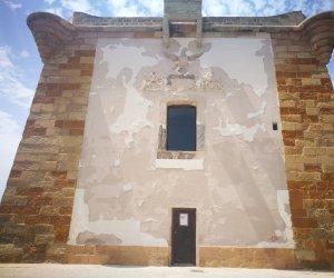 https://www.tp24.it/immagini_articoli/10-06-2018/1528605358-0-torre-ligny-trapani-cadendo-pezzi.jpg