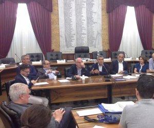 https://www.tp24.it/immagini_articoli/10-06-2019/1560197456-0-marsala-consiglio-comunale.jpg