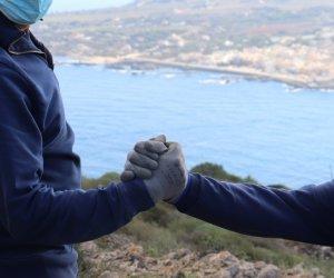https://www.tp24.it/immagini_articoli/10-06-2021/1623305439-0-transizione-ecologica-a-favignana-sea-illustra-il-progetto-alla-regione.jpg