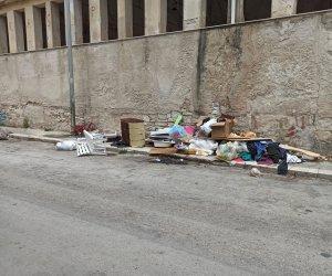 https://www.tp24.it/immagini_articoli/10-06-2021/1623310407-0-rifiuti-a-trapani-pulizia-straordinaria-a-cappuccinelli.jpg