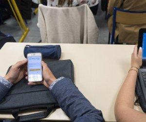 https://www.tp24.it/immagini_articoli/10-07-2018/1531180943-0-scuola-senza-telefonino-francia-realta.jpg
