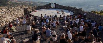 https://www.tp24.it/immagini_articoli/10-07-2019/1562745313-0-teatro-andromeda-mobbidicchi-bonagiuso.jpg