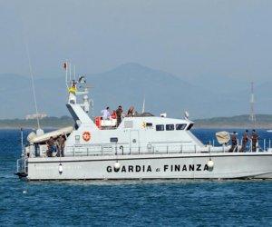 https://www.tp24.it/immagini_articoli/10-08-2018/1533915548-0-sbarchi-fantasma-pantelleria-fermato-scafista-tunisino.jpg