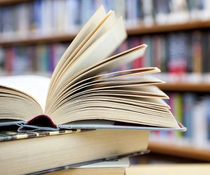 https://www.tp24.it/immagini_articoli/10-08-2019/1565393690-0-anno-scolastico-libri-testo-cari-famiglie-siciliane.jpg