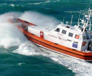 https://www.tp24.it/immagini_articoli/10-08-2019/1565423086-0-favignana-guardia-costiera-soccore-persone-motonave-deriva.jpg
