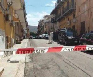 https://www.tp24.it/immagini_articoli/10-09-2019/1568093340-0-sicilia-imprenditore-trovato-senza-vita-casa-vittima-probabile-rapina.jpg