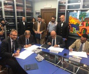 https://www.tp24.it/immagini_articoli/10-09-2019/1568147740-0-regione-irfis-svimez-promuovono-losservatorio-economico-sociale-sicilia.jpg
