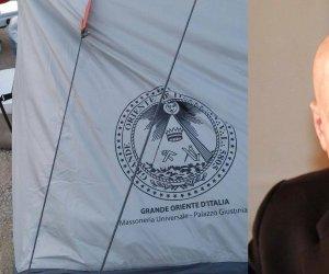 https://www.tp24.it/immagini_articoli/10-10-2016/1476055029-0-campobello-dove-la-massoneria-dona-tende-ai-migranti-accampati-in-un-bene-confiscato.jpg