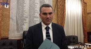 https://www.tp24.it/immagini_articoli/10-10-2018/1539161864-0-enzo-sturiano-amministrazione-testarda-consiglieri-criticano-pensano.jpg