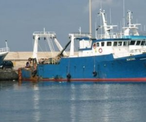 https://www.tp24.it/immagini_articoli/10-10-2018/1539174743-0-pescherecci-mazara-sono-stati-sequestrati-libia-hanno-sparato.jpg
