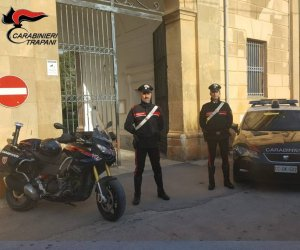 https://www.tp24.it/immagini_articoli/10-10-2019/1570694462-0-evade-domiciliari-arrestato-mazara.jpg