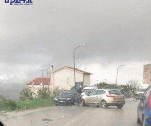 https://www.tp24.it/immagini_articoli/11-01-2018/1515699949-0-salemi-automobili-coinvolte-pauroso-incidente-marsala.jpg