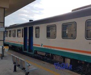 https://www.tp24.it/immagini_articoli/11-01-2020/1578726680-0-ladri-rame-mandano-tilt-ferrovia-treni-fermi-stazione-trapani.jpg
