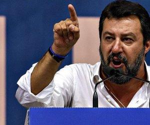 https://www.tp24.it/immagini_articoli/11-01-2020/1578765889-0-cori-offensivi-napoletani-salvini-condannato-razzismo.jpg