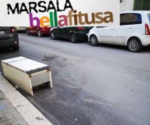 https://www.tp24.it/immagini_articoli/11-02-2019/1549877407-0-marsala-bella-fitusa-giorni-frigorifero-abbandonato-mentana.jpg
