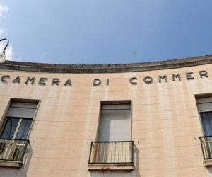 https://www.tp24.it/immagini_articoli/11-03-2016/1457692560-0-guerra-di-poteri-in-sicilia-all-ombra-delle-camere-di-commercio.jpg