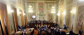 https://www.tp24.it/immagini_articoli/11-03-2019/1552290468-0-taglio-vitalizi-sicilia-vuole-scontro.jpg