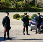 https://www.tp24.it/immagini_articoli/11-04-2018/1523436334-0-rapina-banca-alcamo-credito-siciliano-sventata-carabinieri.jpg