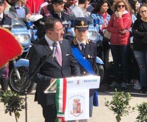 https://www.tp24.it/immagini_articoli/11-04-2019/1555013751-0-trapani-celebrazione-anniversario-polizia-stato.jpg