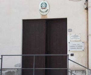 https://www.tp24.it/immagini_articoli/11-05-2018/1526015806-0-pantelleria-sottufficiali-finanza-imputati-concussione-complotto.jpg