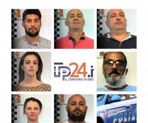 https://www.tp24.it/immagini_articoli/11-05-2019/1557554083-0-marsala-drammatica-rapina-gioielleria-strasatti-ecco-novita.jpg