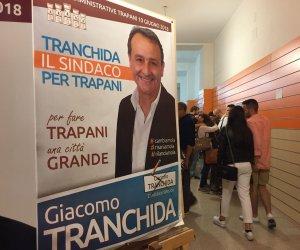 https://www.tp24.it/immagini_articoli/11-06-2018/1528669815-0-trapani-tranchida-avanti-vita-riserbato-sindaco.jpg