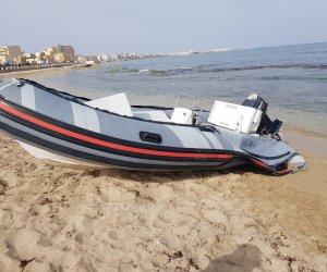 https://www.tp24.it/immagini_articoli/11-06-2019/1560267058-0-trapani-rintracciato-proprietario-gommone-trovato-spiaggia.jpg