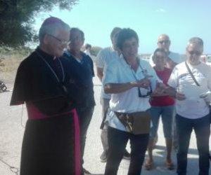 https://www.tp24.it/immagini_articoli/11-07-2018/1531296582-0-volontari-hanno-ripulito-litorale-ronciglio-nubia.jpg