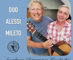 https://www.tp24.it/immagini_articoli/11-07-2019/1562859370-0-trapani-concerto-chitarristi-alessi-stefano-mileto-dellaccademia-kandinskij.jpg
