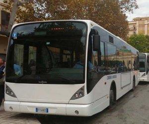 https://www.tp24.it/immagini_articoli/11-07-2019/1562869690-0-scrive-francesco-sugli-autobus-marsala-disavventura.jpg