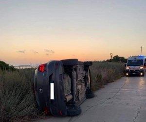 https://www.tp24.it/immagini_articoli/11-07-2019/1562879882-0-marsala-auto-ribalda-stagnone-turisti-feriti.jpg