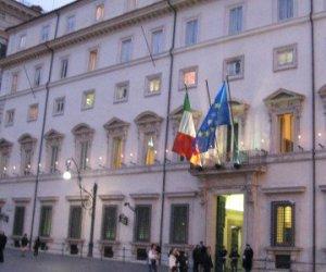 https://www.tp24.it/immagini_articoli/11-08-2016/1470899904-0-patto-per-il-sud-il-governo-sblocca-due-miliardi-di-euro-per-la-sicilia.jpg