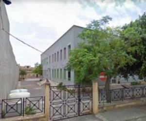 https://www.tp24.it/immagini_articoli/11-09-2019/1568184466-0-campobello-milioni-euro-ristrutturare-scuola-amicis.jpg