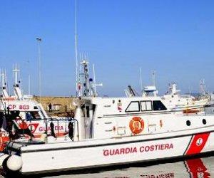 https://www.tp24.it/immagini_articoli/11-09-2020/1599775642-0-ammaraggio-si-un-aereo-al-largo-di-mazara-ma-e-un-esercitazione-della-guardia-costiera.jpg
