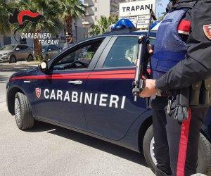 https://www.tp24.it/immagini_articoli/11-09-2021/1631359605-0-trapani-ruba-un-nbsp-furgone-fugge-dai-carabinieri-e-lascia-i-documenti-sul-cruscotto.jpg
