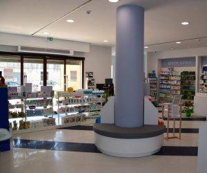 https://www.tp24.it/immagini_articoli/11-10-2018/1539240685-0-farmacia-agate-farmacia-guarda-vostro-benessere.jpg
