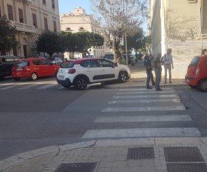 https://www.tp24.it/immagini_articoli/11-10-2019/1570807596-0-incidente-trapani-auto-scontrano-centro.jpg