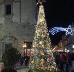 https://www.tp24.it/immagini_articoli/11-12-2018/1544541878-0-alcamo-natale-citta-festa-fino-gennaio-2019.jpg