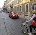 https://www.tp24.it/immagini_articoli/12-02-2019/1549982576-0-codice-strada-ciclisti-contromano-cresce-velocita-autostrada.jpg