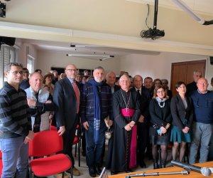 https://www.tp24.it/immagini_articoli/12-02-2020/1581503784-0-vescovo-trapani-visita-pastorale-iacp.jpg